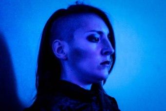 Artemisa, androide sintético creado por la Corporación Crono.