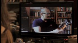 """Captura de la entrevista que me realizó la documentalista Cecilia Fiel para """"Margarita no es una flor""""."""
